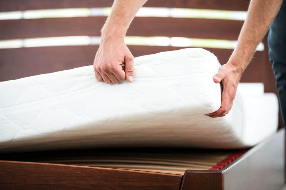 nettoyer votre matelas pour un sommeil plus sain. Black Bedroom Furniture Sets. Home Design Ideas